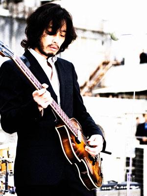 斉藤和義、CMで話題の新曲PVでTHE BEATLESへのオマージュ。