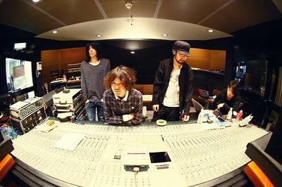 9mm Parabellum Bullet、ニュー・シングルは『新しい光』5月18日発売決定。