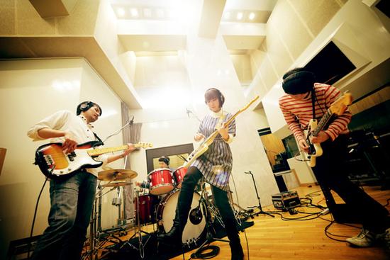 ピロカルピン、メジャー1stフル・アルバム『太陽と月のオアシス』を6/5にリリース。バンド史上最大の全国ツアーの詳細を発表