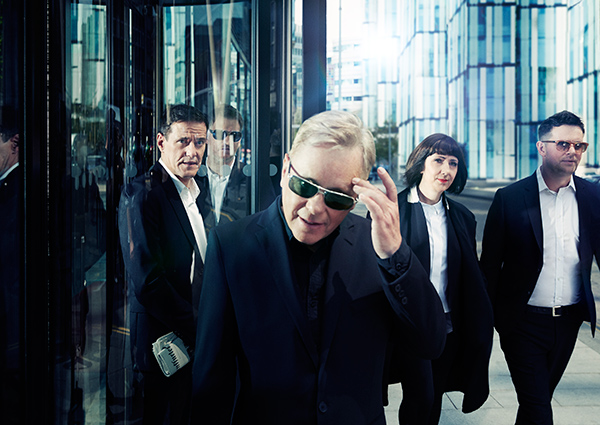 NEW ORDER、オフィシャル・リミックス楽曲「People On The High Line(Claptone Remix)」のMV公開