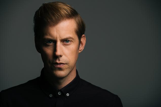 稀代のメロディ・メイカー Andrew McMahon、6/7リリースのニュー・アルバム『Fire Escape』より「So Close」のMV公開