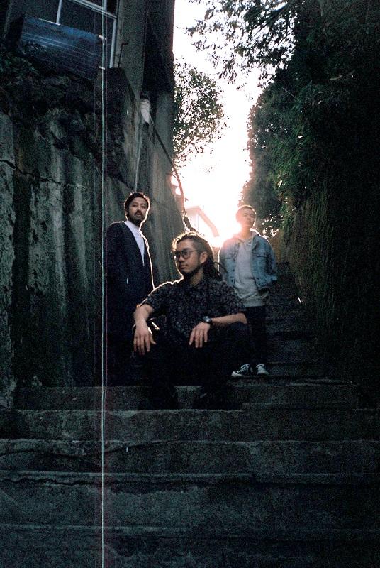 ピアノ3ピース・バンド Ryu Matsuyama、5/16リリースのニュー・アルバム『Between Night and Day』より「Footsteps」MV公開。先行配信もスタート