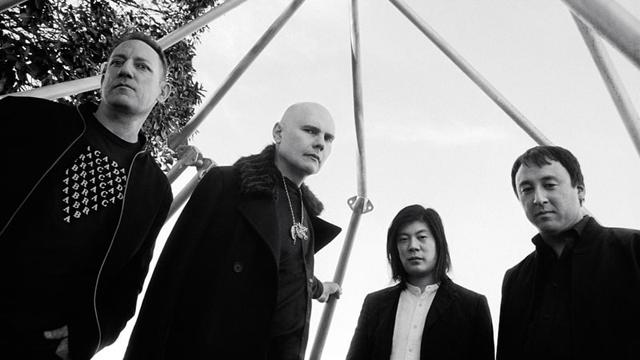 オリジナル・メンバー3名が再集結したTHE SMASHING PUMPKINS、米TV番組での「Zero」、新曲「Solara」パフォーマンス映像公開