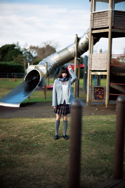 ミレニアル世代のファッション・アイコン 吉田凜音、2/13リリースのニュー・シングル『#film』コラボ・カメラ盤詳細&ジャケ写公開。3月に高校生ラスト・ツアーも開催決定