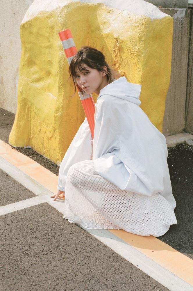 """""""ちょっと頑張るひきこもり""""ナナヲアカリ、4/10リリースのメジャー1st EP『しあわせシンドローム』収録曲発表。表題曲MVスペシャル先行視聴会も開催"""