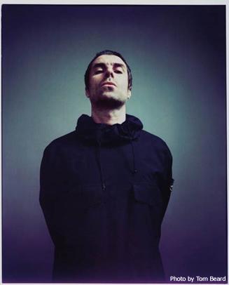 Liam Gallagher、英マンチェスター公演で披露したOASISの楽曲「Rock 'N' Roll Star」ライヴ映像公開