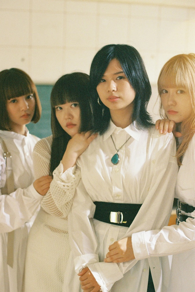"GIRLFRIEND、配信シングルを3ヶ月連続でリリース。第1弾として映画""地獄少女""主題歌「Figure」11/15より配信スタート"