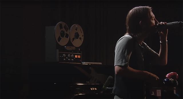 RADIOHEAD、アルバム『The King Of Limbs』のスタジオ・ライヴ映像をYouTubeで公開