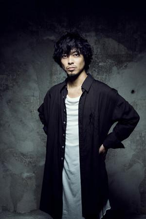 山田将司(THE BACK HORN)、LUX OMNIA VINCITの新曲「音のない世界」にゲスト・ヴォーカルとして参加。ギターはINORAN、MVは紀里谷和明が監督