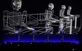 """ドイツのエレクトロ界のパイオニア、KRAFTWERKが""""Latitude Festival""""に登場。3D映像を駆使した90分におよぶショーを披露"""