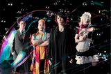 石鹸屋、4/9にリリースするタワレコ限定シングル『夜が明る過ぎる』のジャケット&収録曲を公開。4/10にタワレコ渋谷店でインストア・イベントも開催