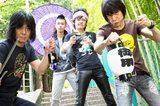 ザ・クロマニヨンズ、9/24リリースのニュー・アルバム『GUMBO INFERNO』初回盤特典DVDに、タワレコ渋谷店で行われた500名限定ライヴの映像を収録決定