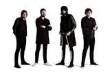 "KASABIAN、テキサスで行われた""NME Awards 2015""の記念パーティに登場。「Underdog」のライヴ映像公開"