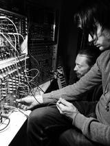RADIOHEADのニュー・アルバム制作風景か!?プロデューサー、Nigel GodrichがTwitterにて写真を公開