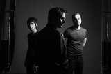 フジロックで来日するMUSE、6月に7thアルバム『Drones』リリース決定
