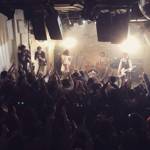 s_live2.jpg