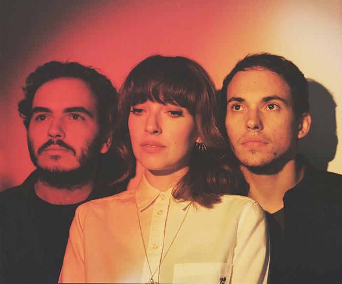 ロンドン発の紅一点3ピース・バンド DAUGHTER、来年1月に約3年ぶりとなる2ndアルバム『Not To Disappear』リリース決定。収録曲「Doing The Right Thing」のMV公開