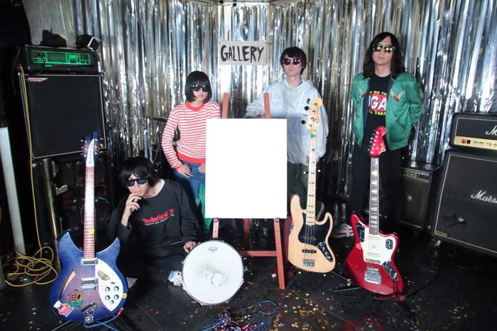 """本棚のモヨコ、12月にニュー・ミニ・アルバム『GALLERY』のリリース・ツアー""""とっても!大団円ツアー""""開催決定。FOLKS、最終少女ひかさ、挫・人間がゲスト出演"""
