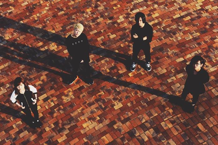 宮崎発の4人組ロック・バンド ARTIFACT OF INSTANT、8/3にリリースする3rdミニ・アルバム『Recoil』より飯干達郎(Vo/Gt)の手書き歌詞掲載のドラマ仕立てMV「Will」公開