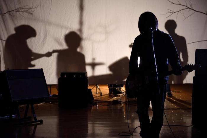 それでも世界が続くなら、9/21にリリースする2ndミニ・アルバム『52Hzの鯨』より「弱者の行進」のMV公開。ワンマン・ツアー追加公演の開催も決定