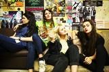 世界最強の新世代DIYガールズ・バンド HiNDS、4月に開催した初来日公演のドキュメンタリー映像公開