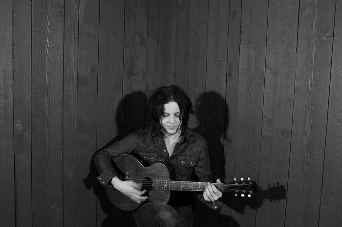 Jack White、9/28リリースの2枚組アルバム『Jack White Acoustic Recordings 1998-2016』よりTHE WHITE STRIPESの完全未発表となる新曲「City Lights」のMV公開
