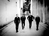 USインディ界の至宝 NADA SURF、オーケストラとの共演コンサートを収録したライヴ・アルバム『Peaceful Ghosts』を10月にリリース決定。収録曲「Out Of The Dark」の音源公開