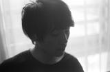 スーパーノアの井戸健人によるソロ・ユニット イツキライカ、11/2にリリースする1stフル・アルバム『Kind of Blue』より「フィルムのすきま」のライヴ映像公開