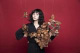 植田真梨恵、12/14リリースのニュー・アルバム『ロンリーナイト マジックスペル』より「ダイニング」のMV公開