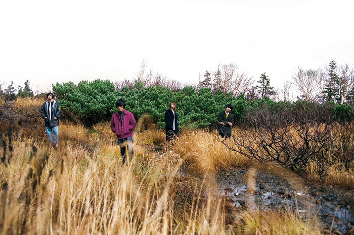 ヒトリエ、ニュー・アルバム『IKI』より「KOTONOHA」の360度濃密スタジオ・ライヴ映像公開