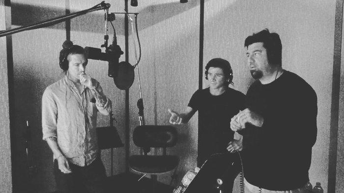 INCUBUS、SKRILLEXとのコラボ曲と思われる楽曲の一部音源が公開。Chino Moreno(DEFTONES)とのレコーディング風景も