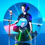 テンテンコ(ex-BiS)、4/22にリリースする初のアナログ盤『Wa・ショイ! / Good bye,Good girl.』のジャケット写真公開