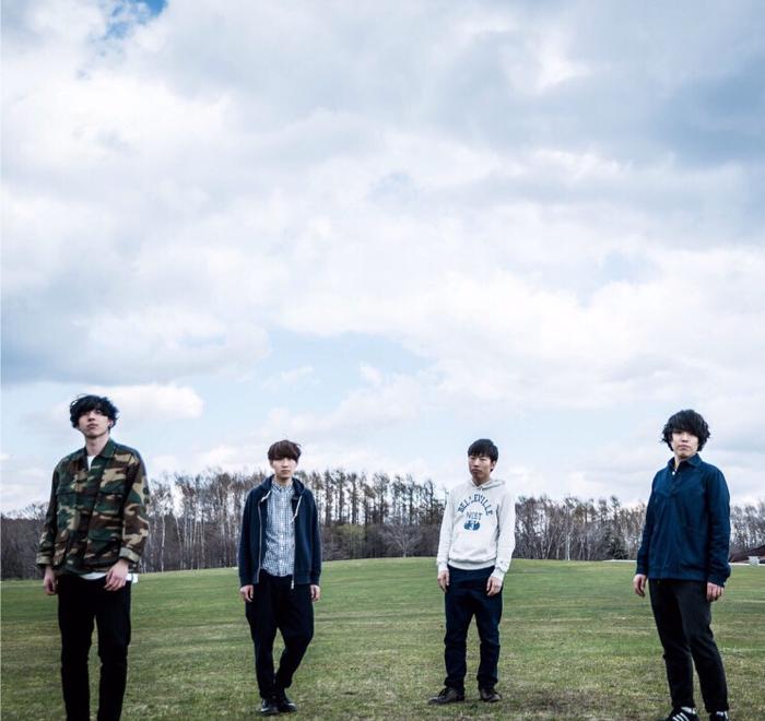 """札幌在住の4ピース・バンド THEサラダ三昧、""""アルクリコール""""への改名を発表。新曲「アゲイン」のMV公開"""