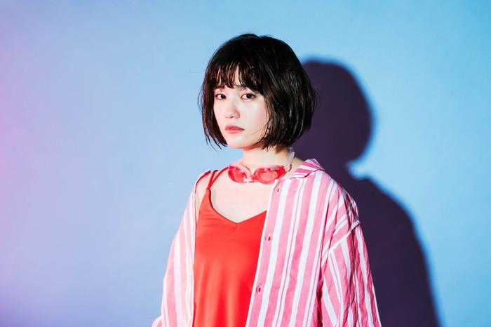 """元""""ふぇのたす""""のMICOによるソロ・プロジェクト""""SHE IS SUMMER""""、6/7にリリースする2nd EPの新ヴィジュアル公開。インストア・ライヴ開催も"""