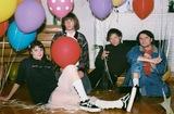 カナダ発の4人組レトロ・ポップ・バンド TOPS、6/2リリースの3rdアルバム『Sugar At The Gate』より「Further」の音源公開