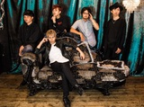"""広島県出身の5人組ピアノ・ロック・バンド""""naco is...""""、Eggsレーベルより7/19に初のミニ・アルバム『官能的革命前夜』リリース決定。リード曲「&LUST」のMVも公開"""