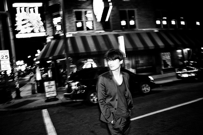 佐々木亮介(a flood of circle)、8/2に初のソロ作品『LEO』リリース決定。ソロ・ワンマン・ツアーも