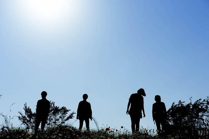"""神戸発ダウナー系プログレ・ロック・バンド""""こうなったのは誰のせい""""、新体制初MV「ハイリ」公開。2日間限定でライヴ活動再開も"""