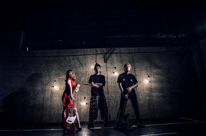 """男女ツイン・ヴォーカル・バンド""""プピリットパロ""""、9/13リリースの2ndミニ・アルバムよりDB芸人とコラボした「サバイバルエリート」MV公開"""