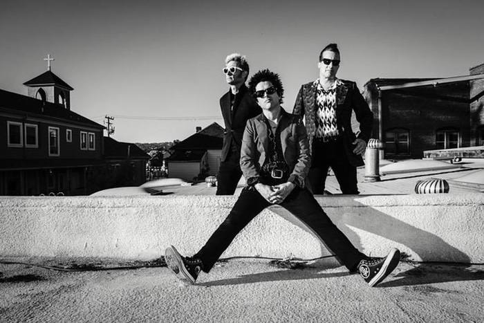 GREEN DAY、11月に世界同時リリースするベスト・アルバム『God's Favorite Band』のトレーラー映像公開