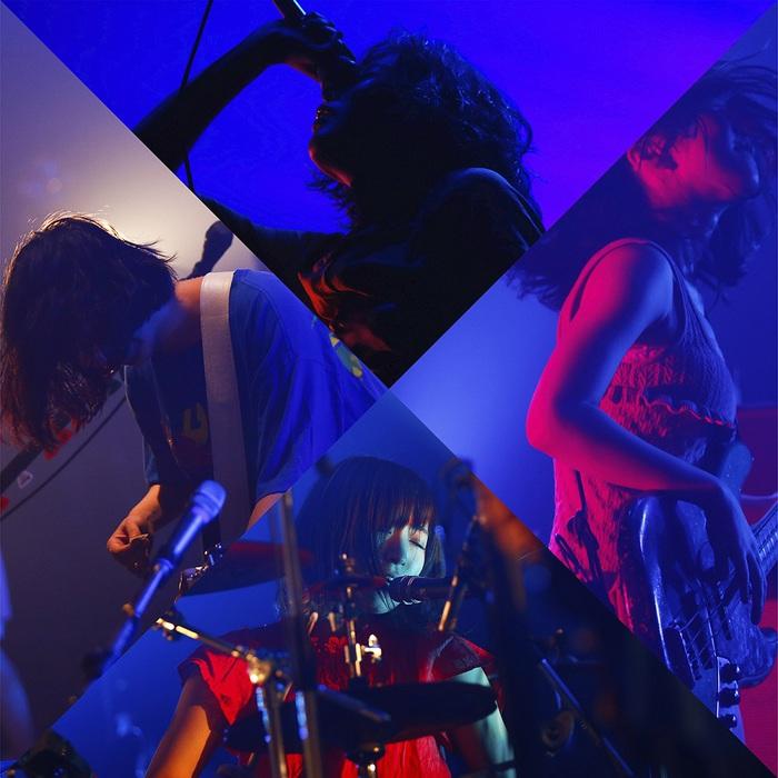 赤い公園、2/14リリースの初のベスト・アルバムより4人体制でのライヴ映像を使用した「カメレオン」MV公開