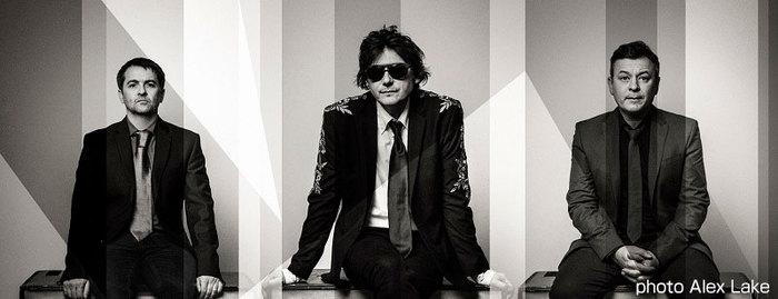 MANIC STREET PREACHERS、来年4月リリースの13thアルバムより「International Blue」のリリック・ビデオ公開