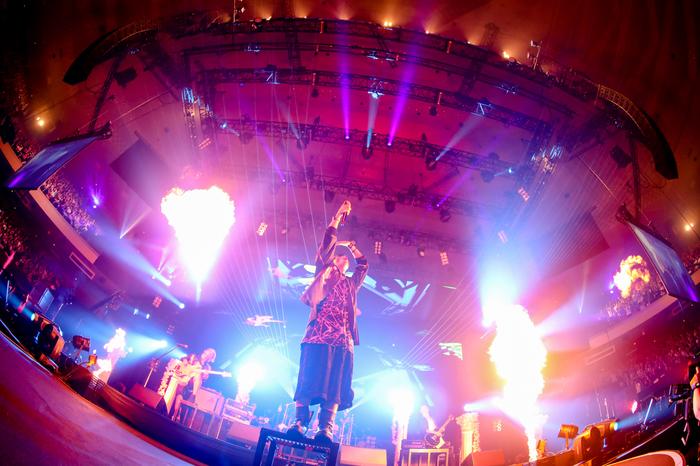 "THE ORAL CIGARETTES、12/7より西武新宿駅前""ユニカビジョン""にて特集番組の放映決定"