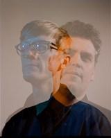 最先端エレクトロ・デュオ SIMIAN MOBILE DISCO、5/11にニュー・アルバム『Murmurations』リリース決定。新曲「Caught In A Wave」MV公開も