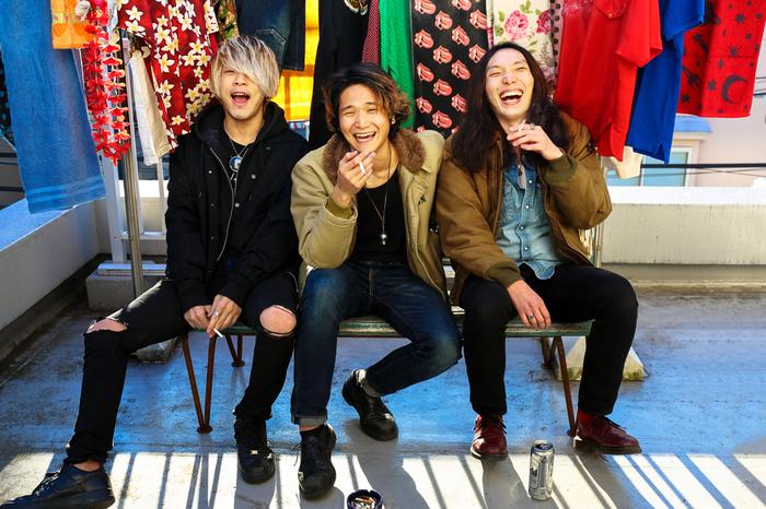 横浜発3ピース・ロック・バンド SPANGLE、 5/2リリースのニューEP『VERY GIRL』リリース・ツアー・ファイナルに黒猫チェルシー出演決定