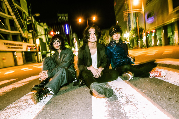 SIX LOUNGE、4/25リリースのニュー・ミニ・アルバム『夢うつつ』より「LULU」MV公開