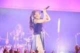 """阿部真央、""""Road to 10th Anniversary""""全容を発表。全国ツアー&神戸ワールド記念ホール公演開催決定。シングル&ベスト・アルバムのリリースも"""