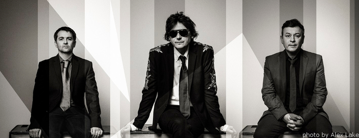 MANIC STREET PREACHERS、最新アルバム『Resistance Is Futile』より「Hold Me Like A Heaven」MV公開