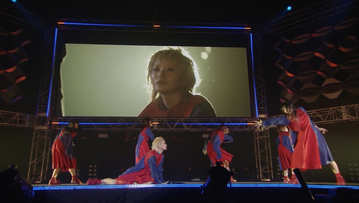 BiSH、8/29に横浜アリーナ公演の映像化作品&ドキュメンタリー映像作品を同時リリース決定。「Life is beautiful」ライヴ映像のフル公開も