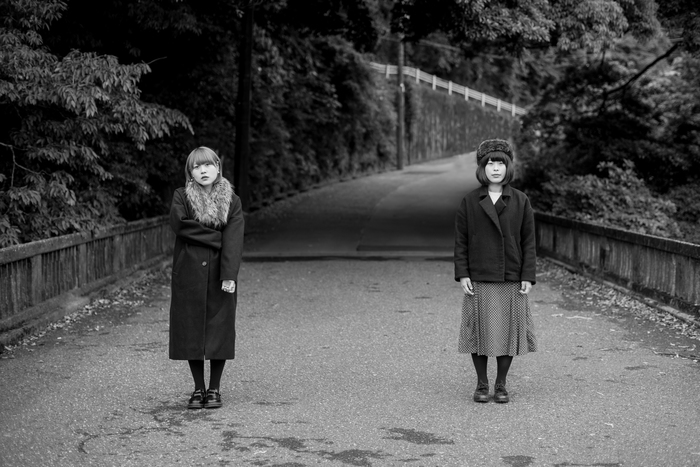 FINLANDS、7/11にリリースする2ndフル・アルバム『BI』ジャケ写公開&リリース・ワンマン・ツアー詳細決定。ツアー・ファイナルは渋谷クアトロにて